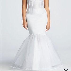 David's Bridal wedding dress slip 👰🏻 NWOT